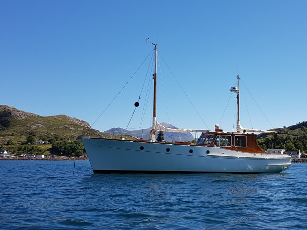 fortuna-ii-anchored-sheldaig